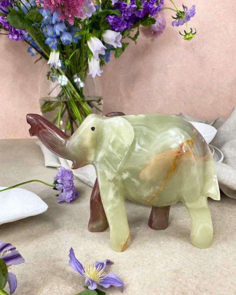 Broušená figurka onyx slon velký 20cm Pákistán 2kg