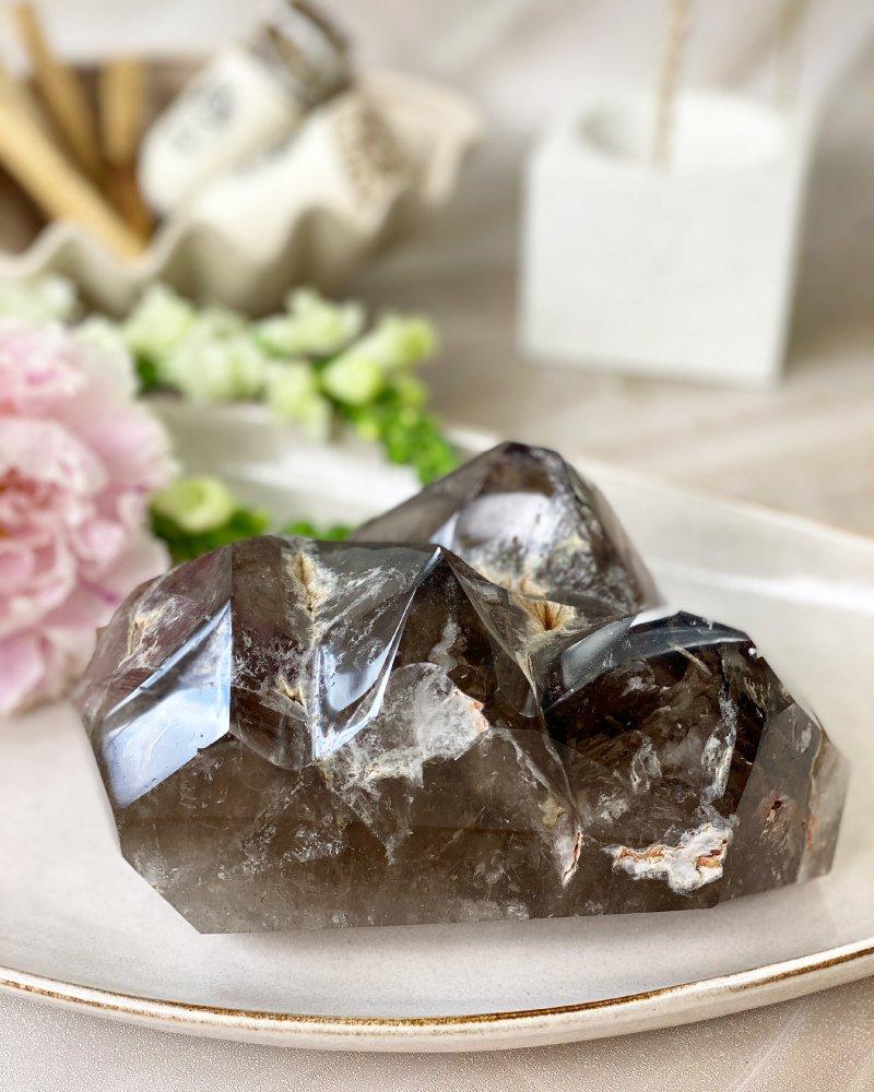 Luxusní záhněda krystal s vodou přeleštěný Madagaskar 2,3kg