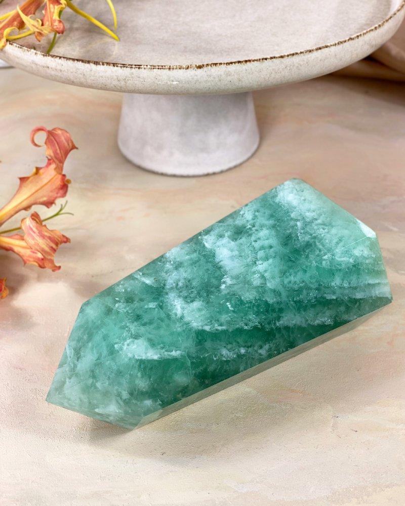 Fluorit obelisk hrot leštěný 20cm TOP 2,2kg