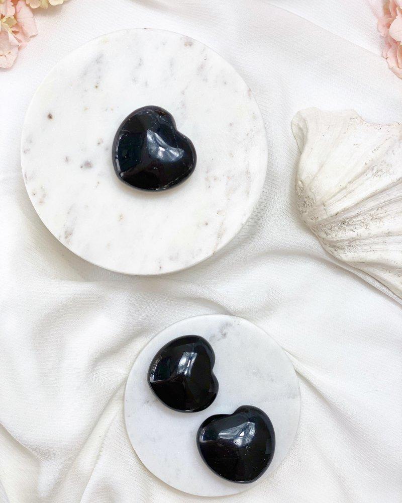 Skoryl turmalín broušené srdce Brazílie 4cm