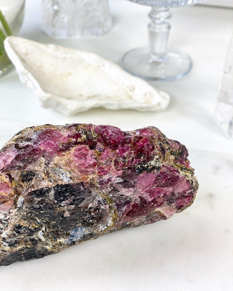 Luxusní polodrahokam rubelit verdelit surový Madagaskar 1,11kg