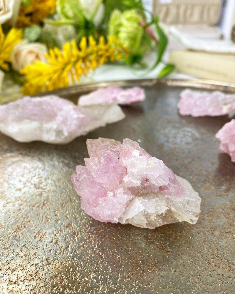 Růženín vzácný krystalický sbírkový Brazílie AAA 279g