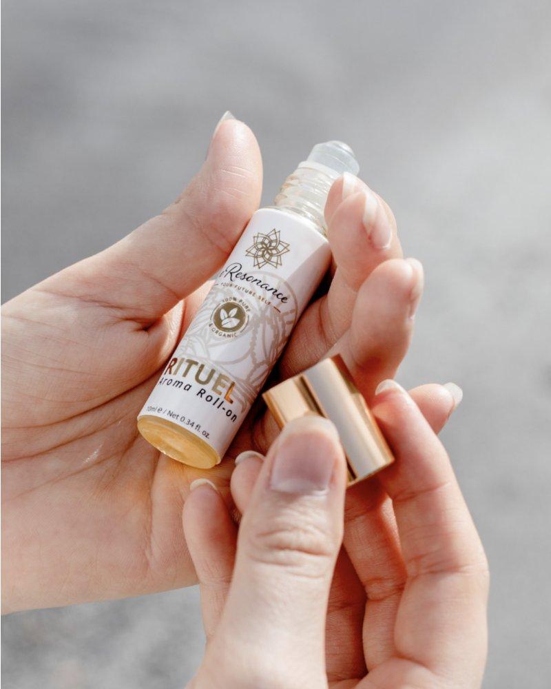 Aroma roll-on pomoc od bolesti hlavy, nevolnosti či starostech