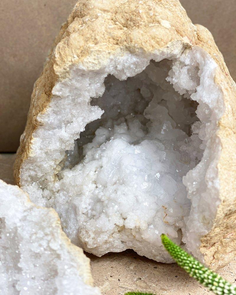 Geoda křišťál Maroko 15cm 1,43kg