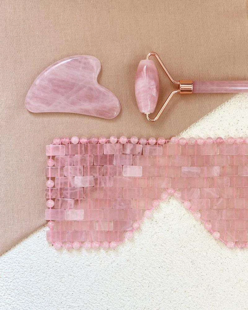 Dárkový masážní set roller, gua sha a maska z růženínu