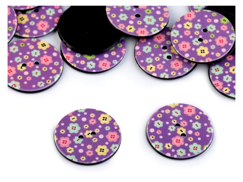 """Knoflík plastový 40"""" - květy na fialové"""