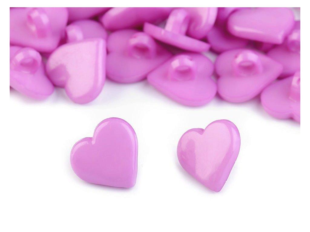 """Knoflík plastový 24"""" Srdce - fialová světlá"""