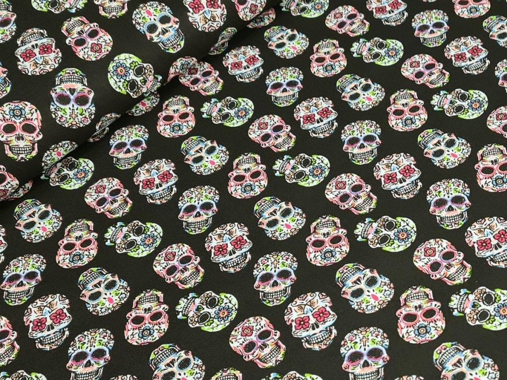 Bavlněné plátno - Květinové lebky na černé