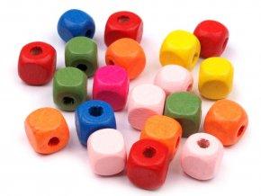 Korálky dřevěné kostka 10x10 mm - mix barev (30ks)
