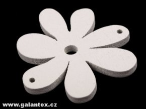 Dřevěné korálky / výsek 35x40mm  květinka - bílá