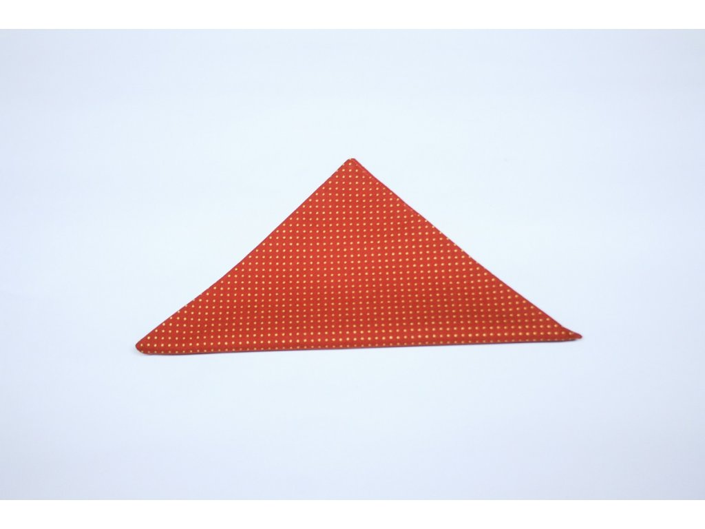 kapesníček červený s puntíky Galantier 1 edited