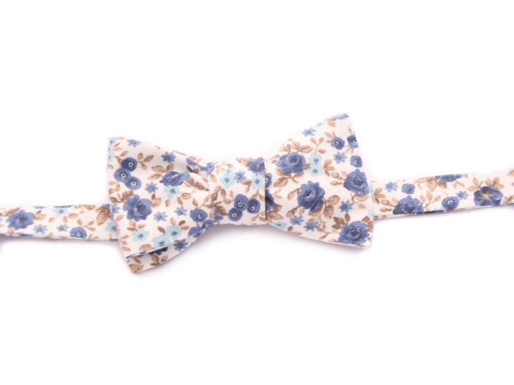 3927 kremovy vazaci motylek s modrymi kvety