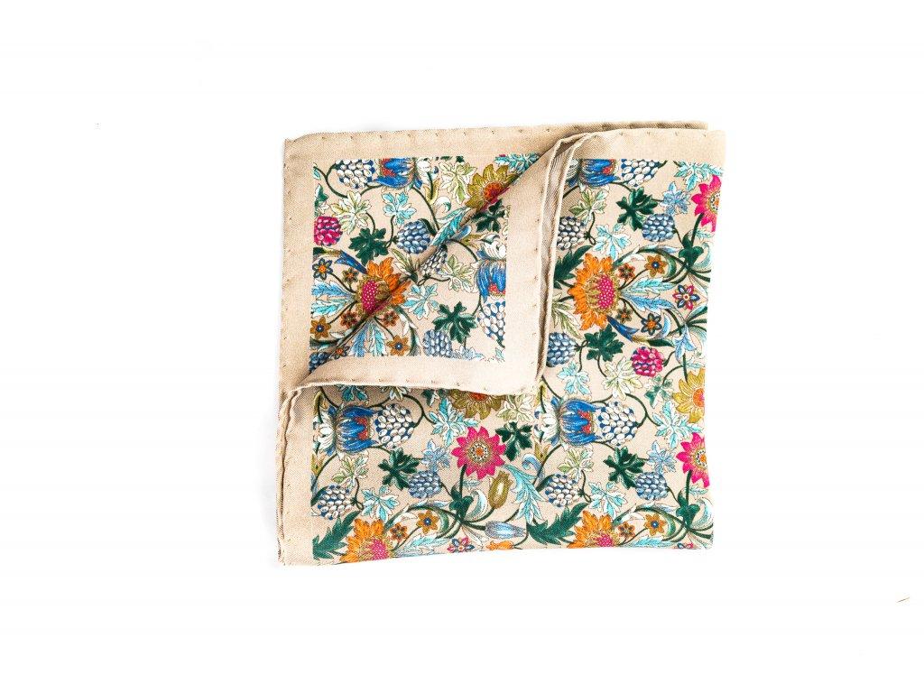 Béžový květovaný kapesníček z hedvábí 1
