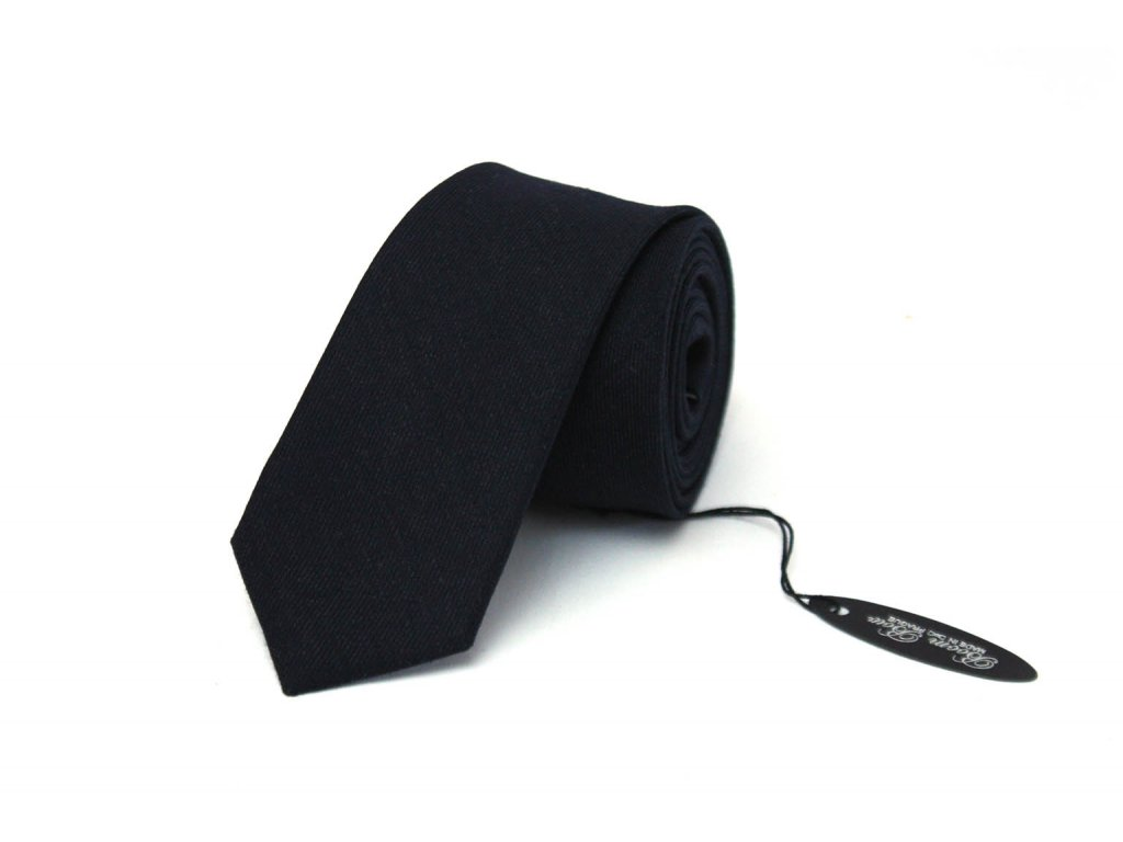 2399 cerna vlnena kravata s pruhy