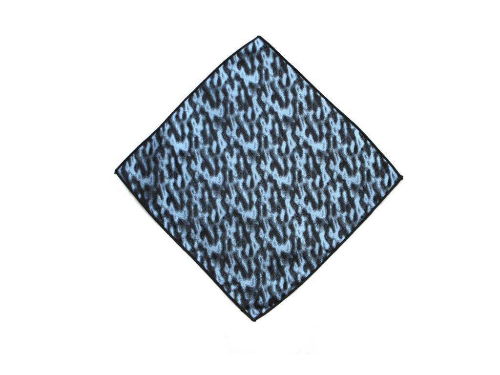 modry kapesnicek se svetlymi detaily 01 1