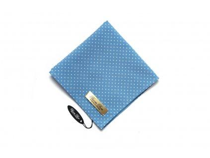1844 svetle modry kapesnicek s puntiky