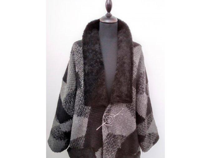 Šedočerný kabátek s černým límcem