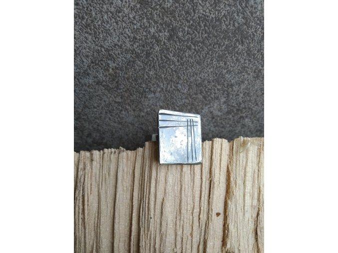 Nerezový prsten čtvercový