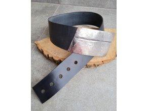 Kožený pásek s velkou přeskou