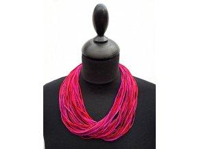 Hedvábný náhrdelník v odstínech vínové a růžové