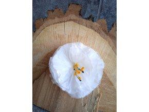 Bílý hedvábný květ
