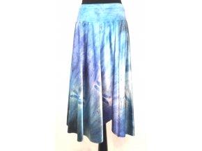 Asymetrická saténová sukně