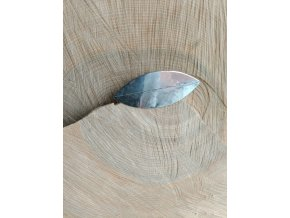 Nerezová brož tvaru listu