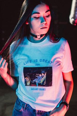 TRIKO LIFE IS GREAT WHITE 90s - UNISEX