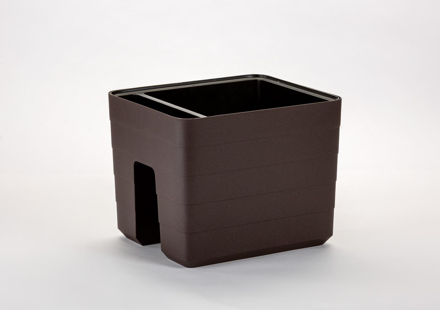 Samozavlažovací truhlík na zábradlí Berberis 30x26 cm, čokoláda