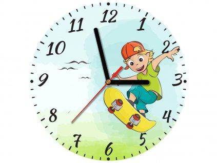 Detské hodiny Chlapec na skateboarde 30x30cm  + Darček