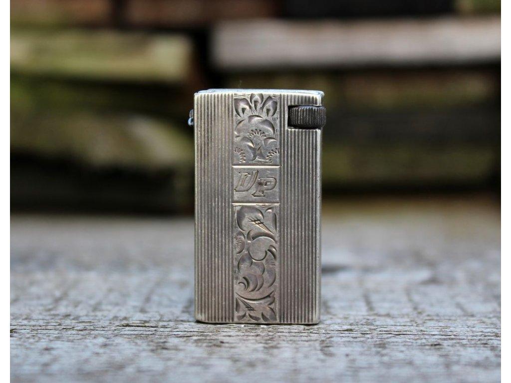 Stříbrný zapalovač s ornamenty x142 2
