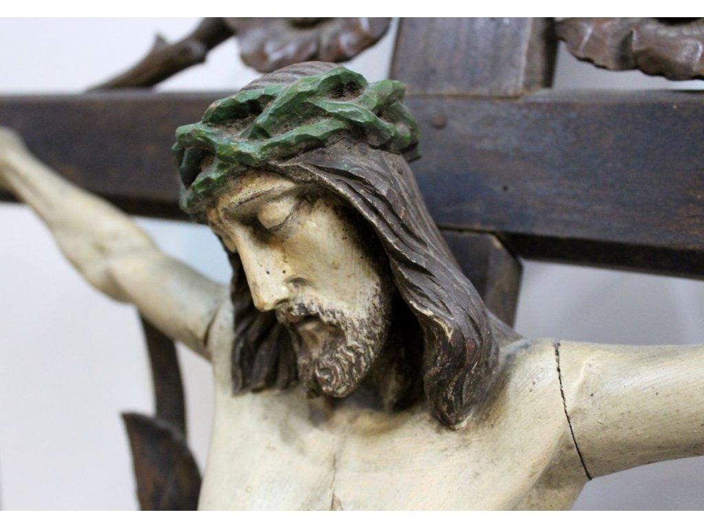vyřezávaný Ježíš na kříži 19.stol x436 2