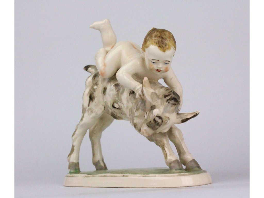 Porcelánová soška dítě s kůzletem Hertwig x696 5
