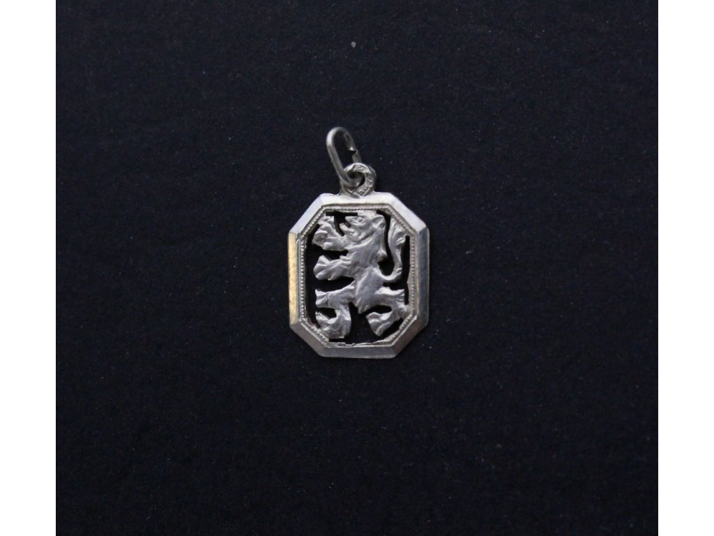 Stříbrný přívěsek Český lev (2)