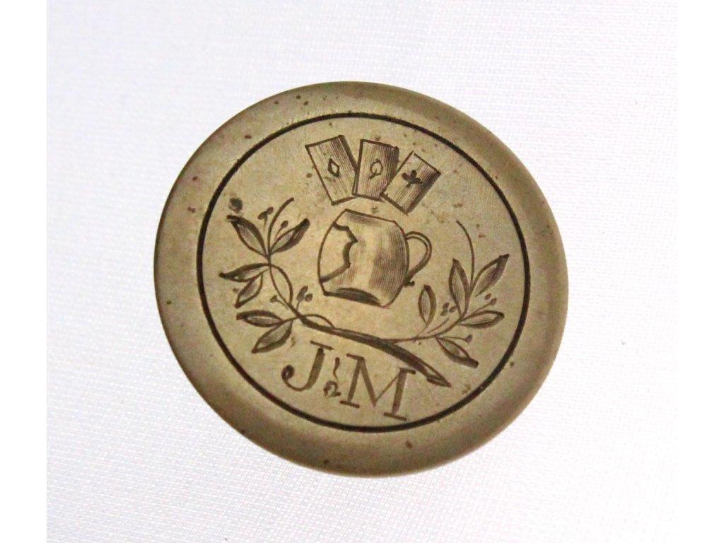 Manžetový knoflík motiv pivo karty iniciály J M x1596(1)