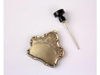 Stříbrný parfémový flakón gravírovaný