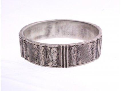 Dutý stříbrný náramek rytý x1360 (4)