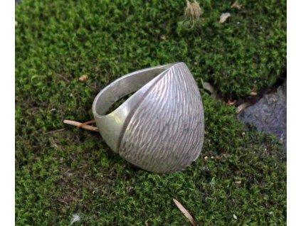 Starý stříbrný prsten v53 x1628 (1)