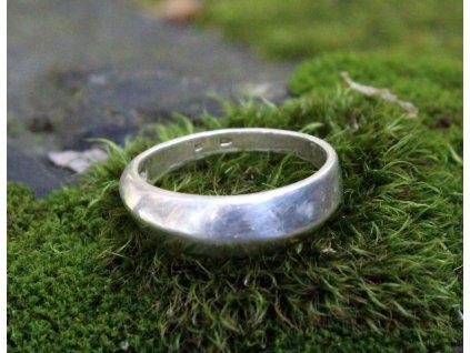 Starý stříbrný prsten v60 x1648 (1)