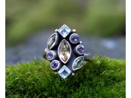 Stříbrný prsten barevné kamínky v52 x1693(1)