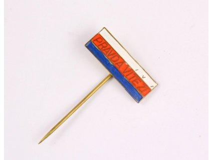 Odznak PRAVDA VÍTĚZÍ Y174 (1)