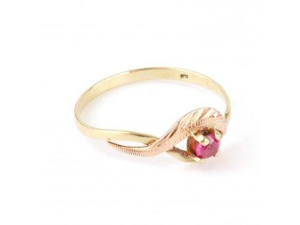 Zlatý prsten s rubínem v55 §