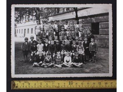 Školní fotka 1. třída 1940