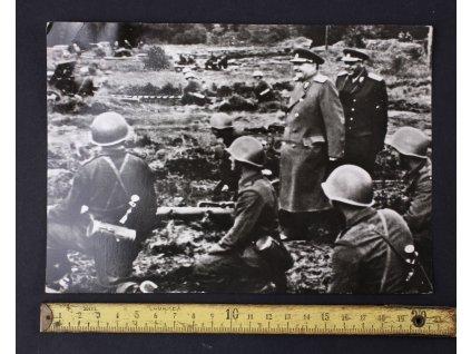 Fotka GOTTWALD vojáci