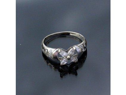 Zlatý prstýnek s kamínky bílé zlato v49