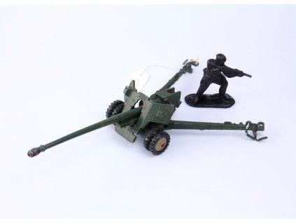 Hračka SSSR DĚLO s vojáčkem