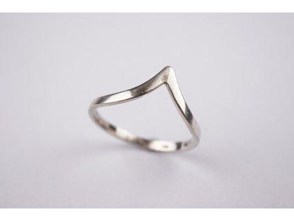 Stříbrný prsten 58