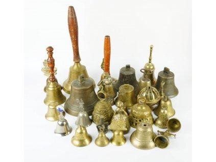 Konvolut 28 kusů zvonečku chybí srdíčka