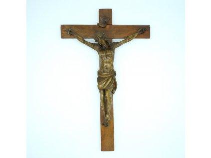 ježíš na kříži dřevo