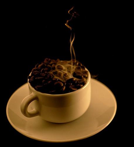 Překapávaná káva versus espresso z kávovarů BORETTI